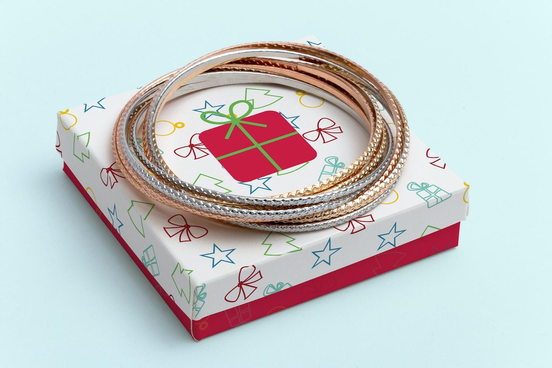 Small Gift Box Mockup 02