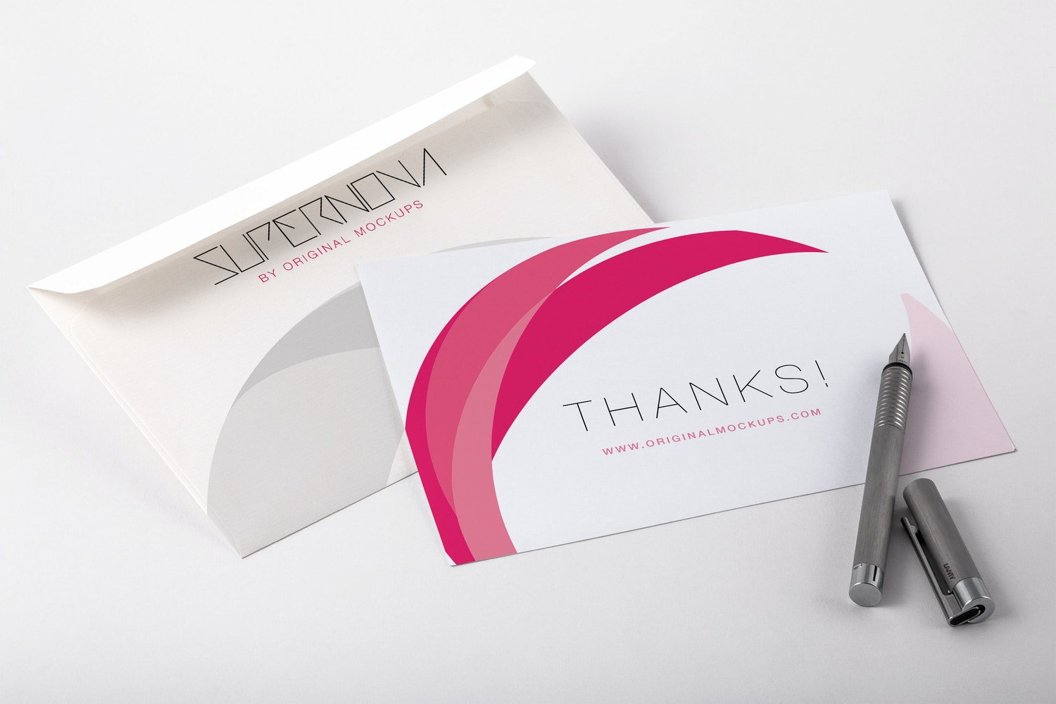 Thank You Card PSD Mockup 01 por Original Mockups en Original Mockups