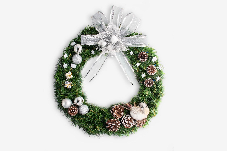 Christmas Wreath Isolate 02