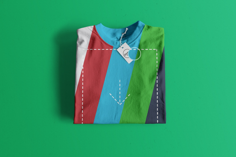 Folded T-Shirt Mockup 01 (2) por Antonio Padilla en Original Mockups