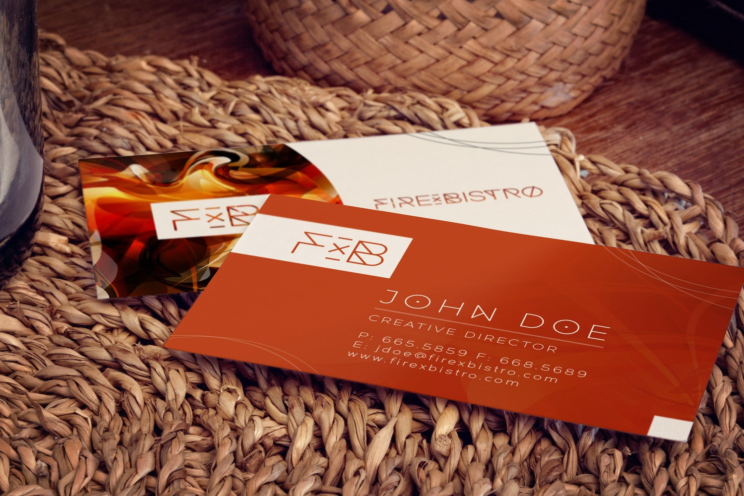 Business Cards Mockup 02 por 4to Pixel en Original Mockups