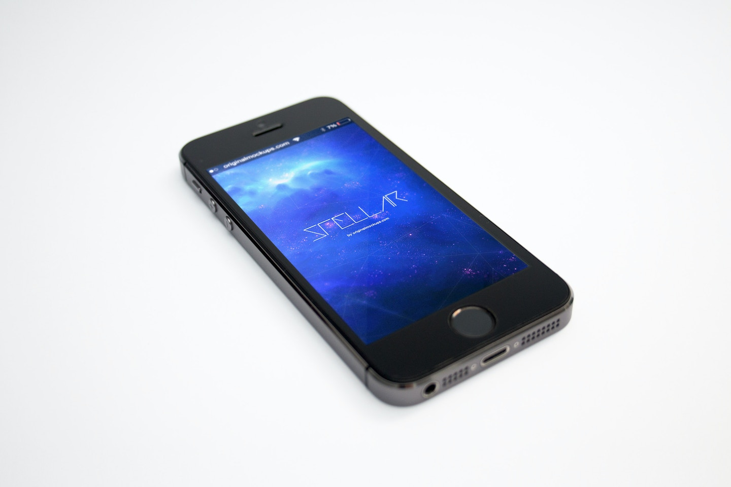 iPhone 5s Space Gray Mockup 02