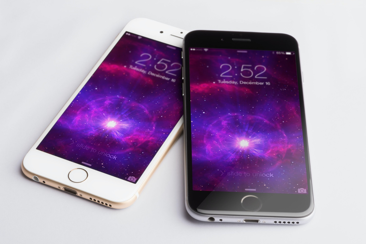 Iphone 6 Gold and Spacegray PSD Mockup 02 por Original Mockups en Original Mockups