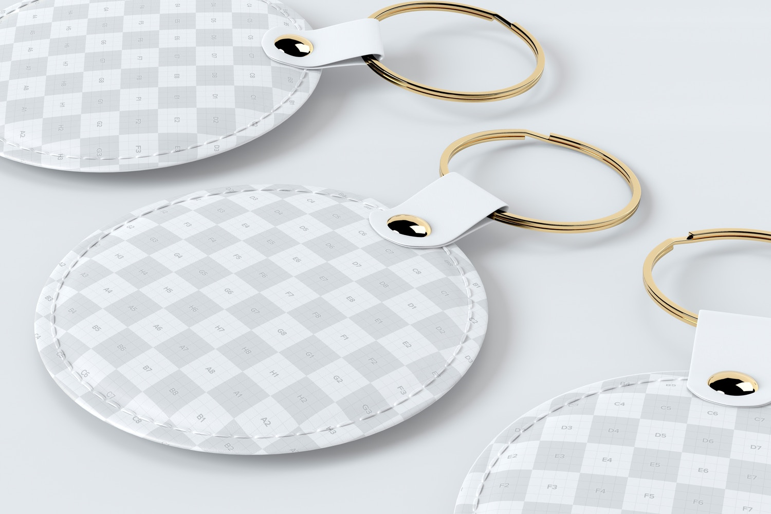 See how the direction of the light creates different reflections on the keychain rings.