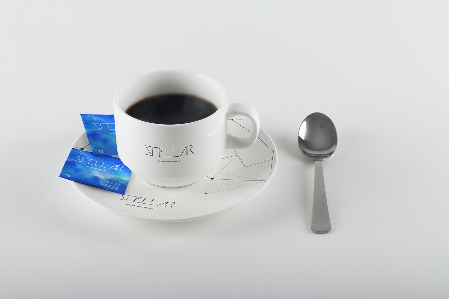 Coffee Cup and Sugar Bags Mockup 01 por Original Mockups en Original Mockups
