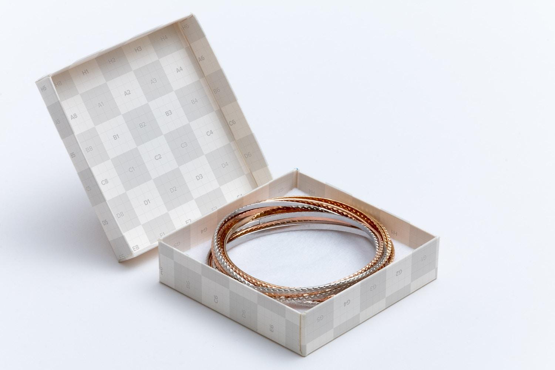 Small Gift Box Mockup 01