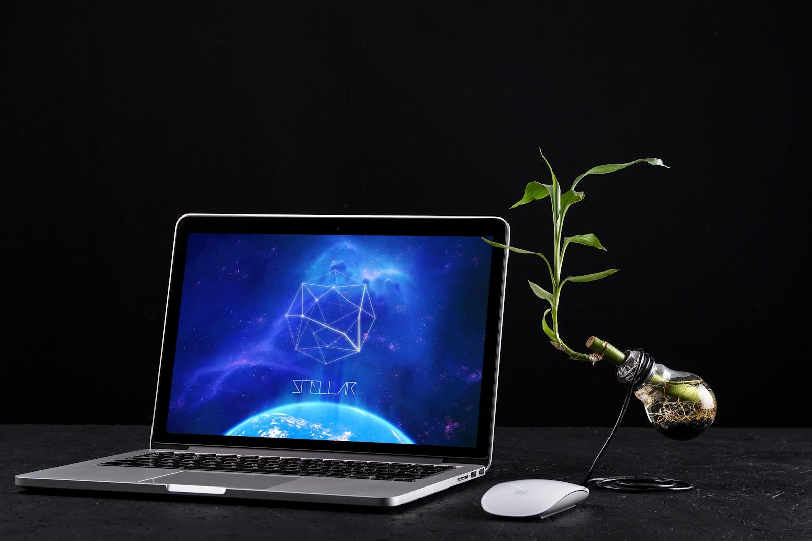 MacBook Pro Retina 13 Mockup 03