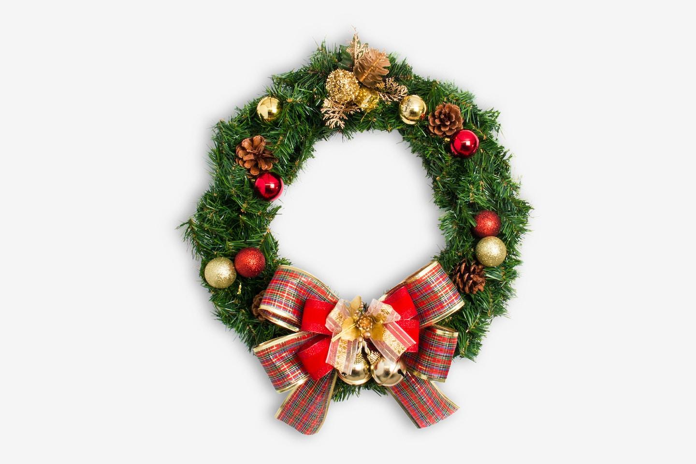 Christmas Wreath Isolate 01
